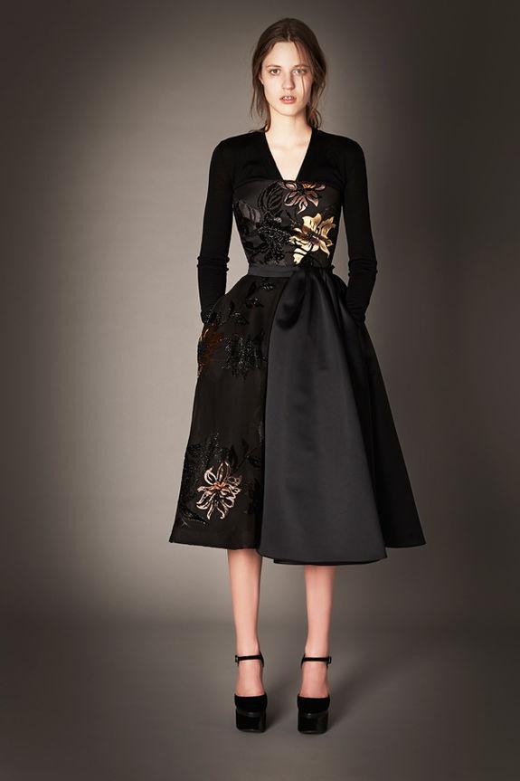 Лучшие классические платья