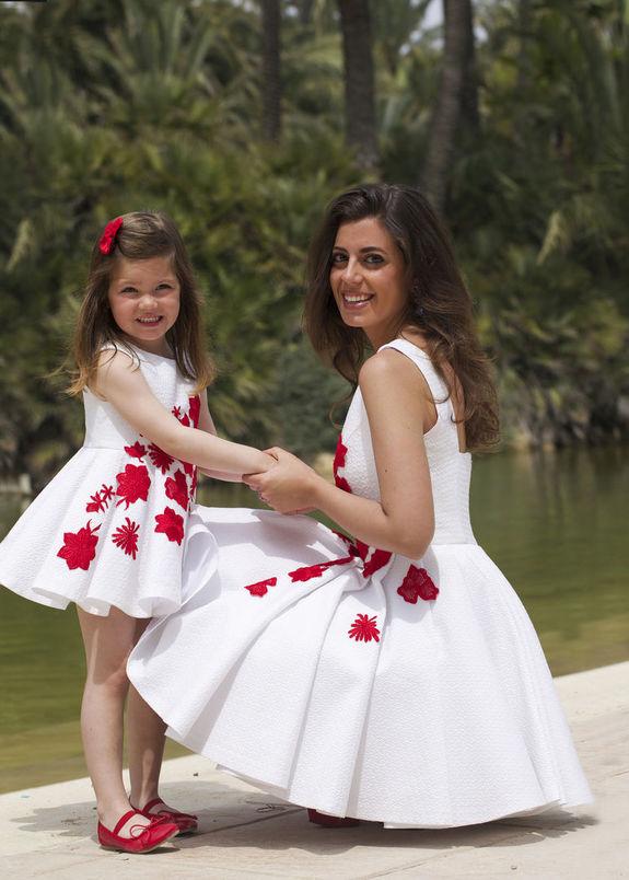 Мама и дочь в одном платье фото