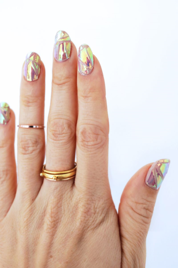 Голограмма на ногтях фото