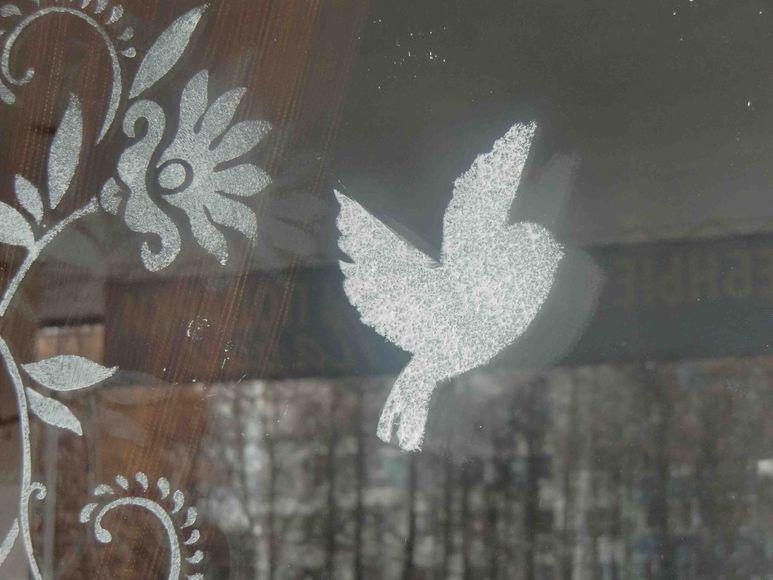 Инструкция: 10 способов раскрасить окна к Новому году - Я Покупаю