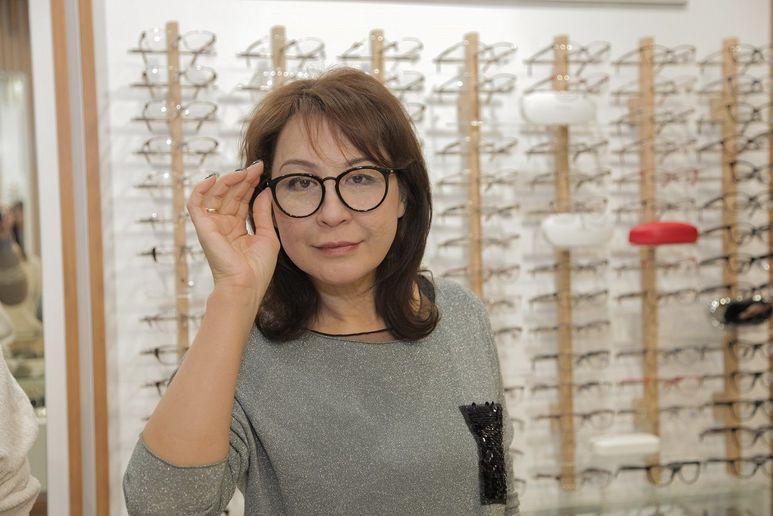 Дама с широким очком фото 108-673