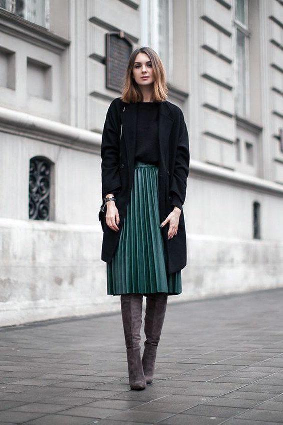 Если из под пальто выглядывает юбка
