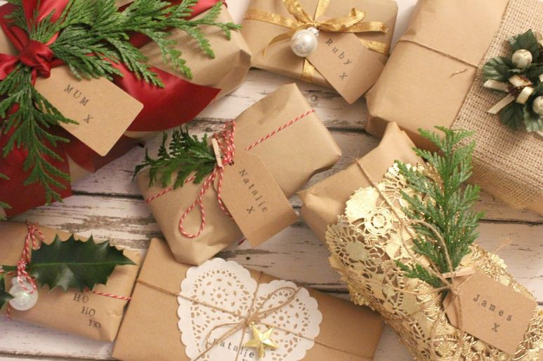 Упаковка новогодних подарков 28