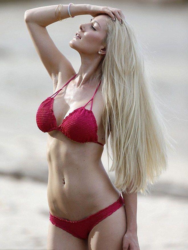 Порно фото молоденькую с большой грудью